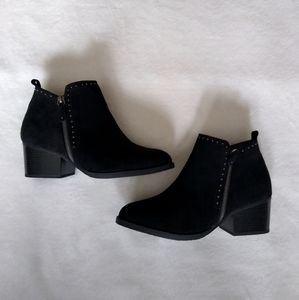 NWOB Studded Ankle Booties